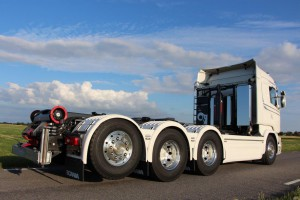 SVETSAB Komplett Plogbil Scania R 588 Tridem växlare Bild 005