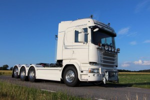 SVETSAB Komplett Plogbil Scania R 588 Tridem växlare 003